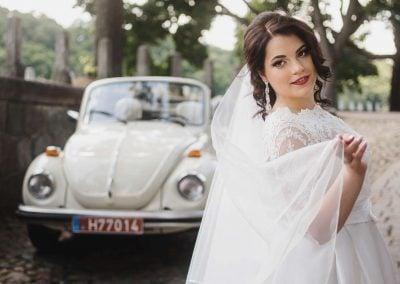 Kreminis kabrioletas vestuvių fotosesijoje - nuotrauka NUDE MOOD
